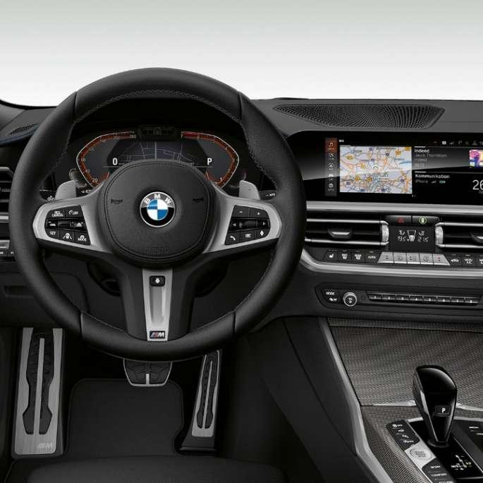 Wynajem samochodu BMW 320i X-Drive Face-Lifting / AUTOMAT